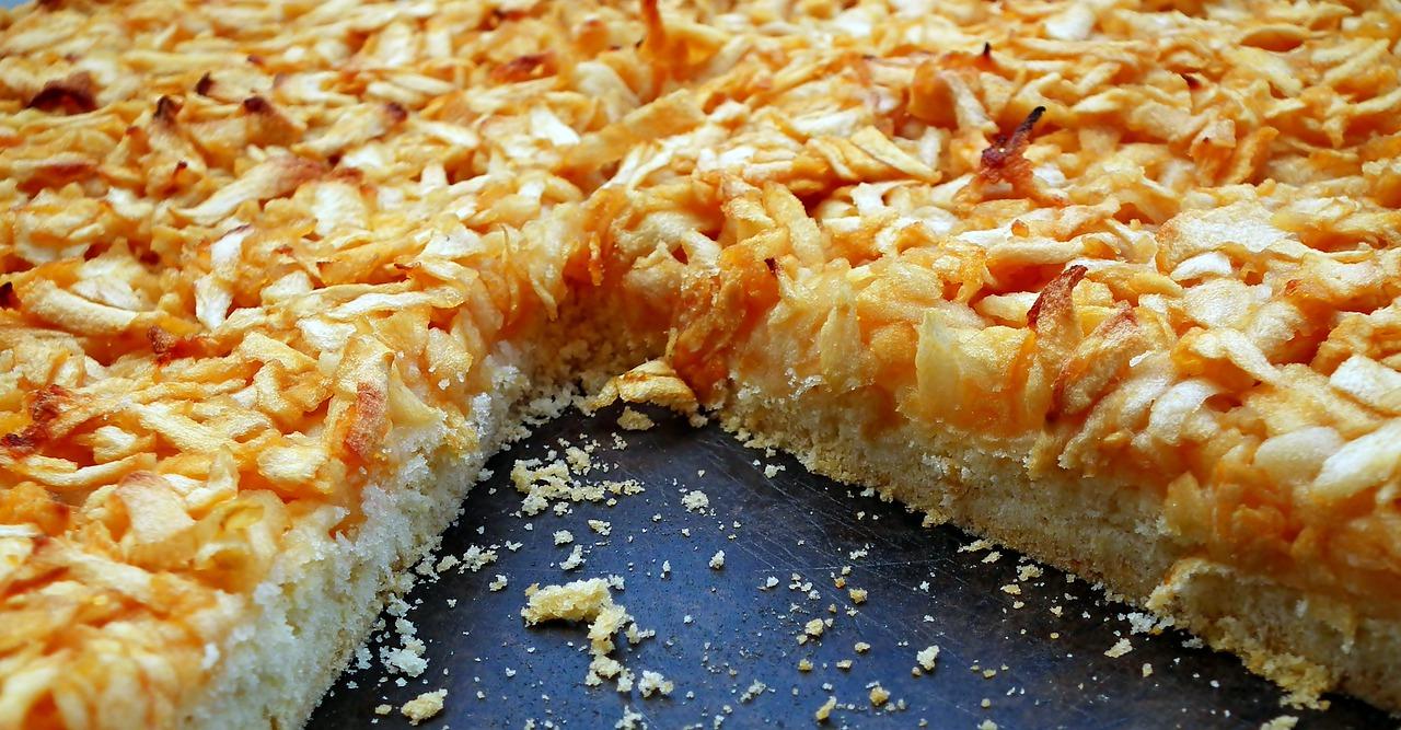 Apfelkuchen mit Marzipan nach Omas Rezept